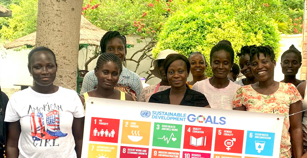 Ladies part of GVIs programs highlighting the sustainable development goals that can be expected in all of GVIs programs